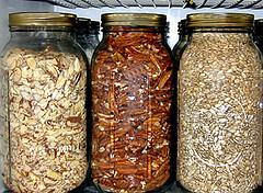 jars-of-dried-food[1]
